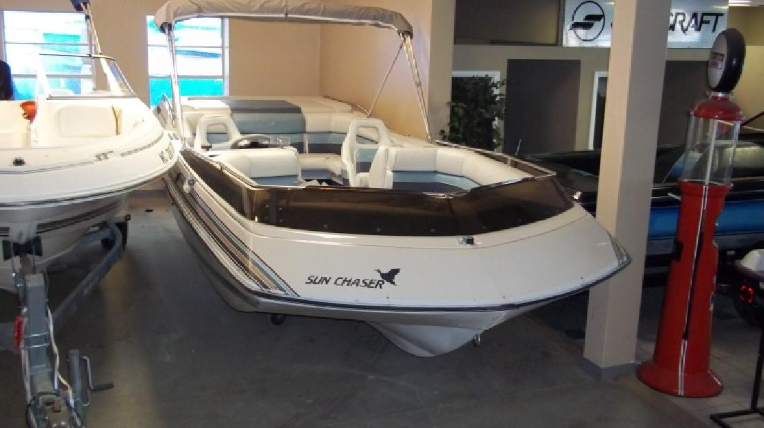 1991 Sun Chaser Boats 2300 In Waterford Mi For Sale In