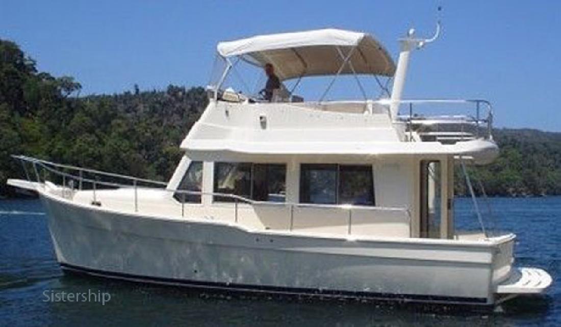 2005 34' MAINSHIP Trawler - Estate Sale