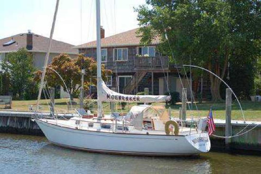 1983 Bristol 35.5 Sailboat - Great Condition