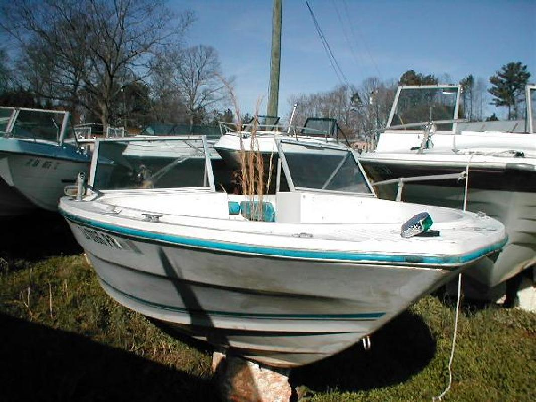1977 18 39 galaxy 1000 bowrider outboard for sale in for Bowrider boats with outboard motors