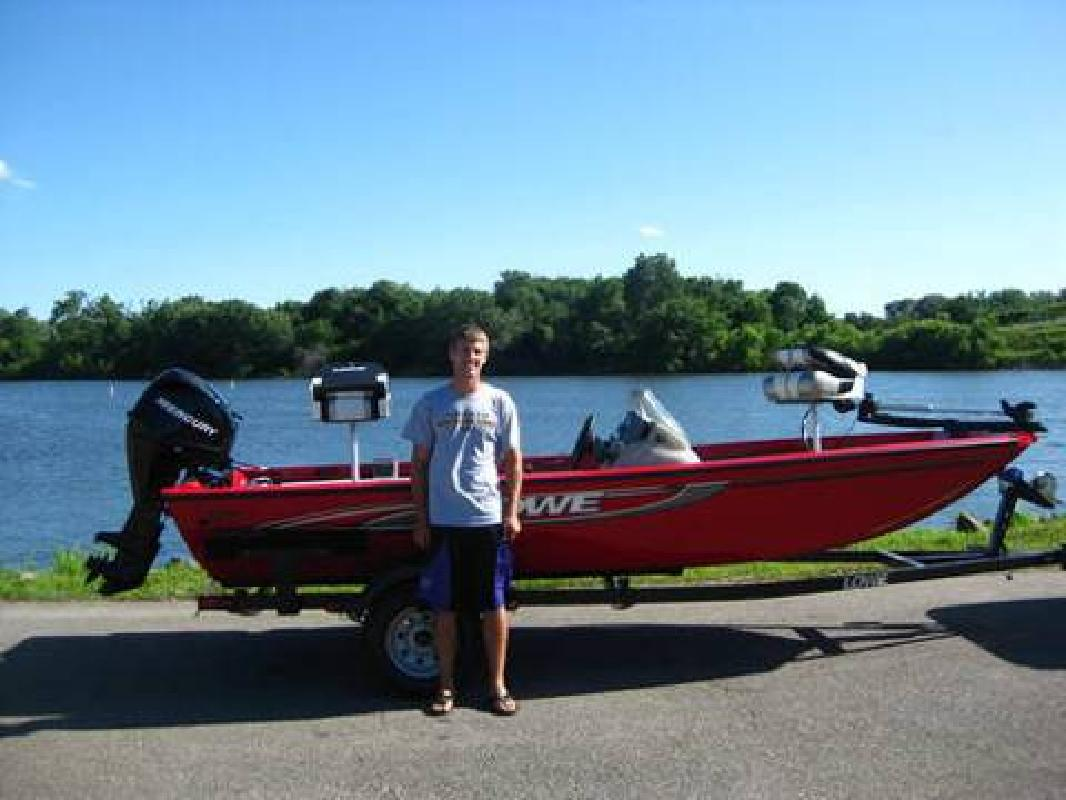 Lowe fishing boats new and used boats for sale for Used fishing boats for sale in iowa