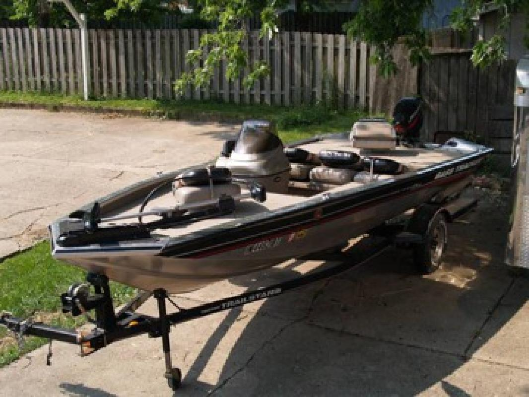 2001 Bass Tracker Pro 175XT Bass Boat for sale in Columbus
