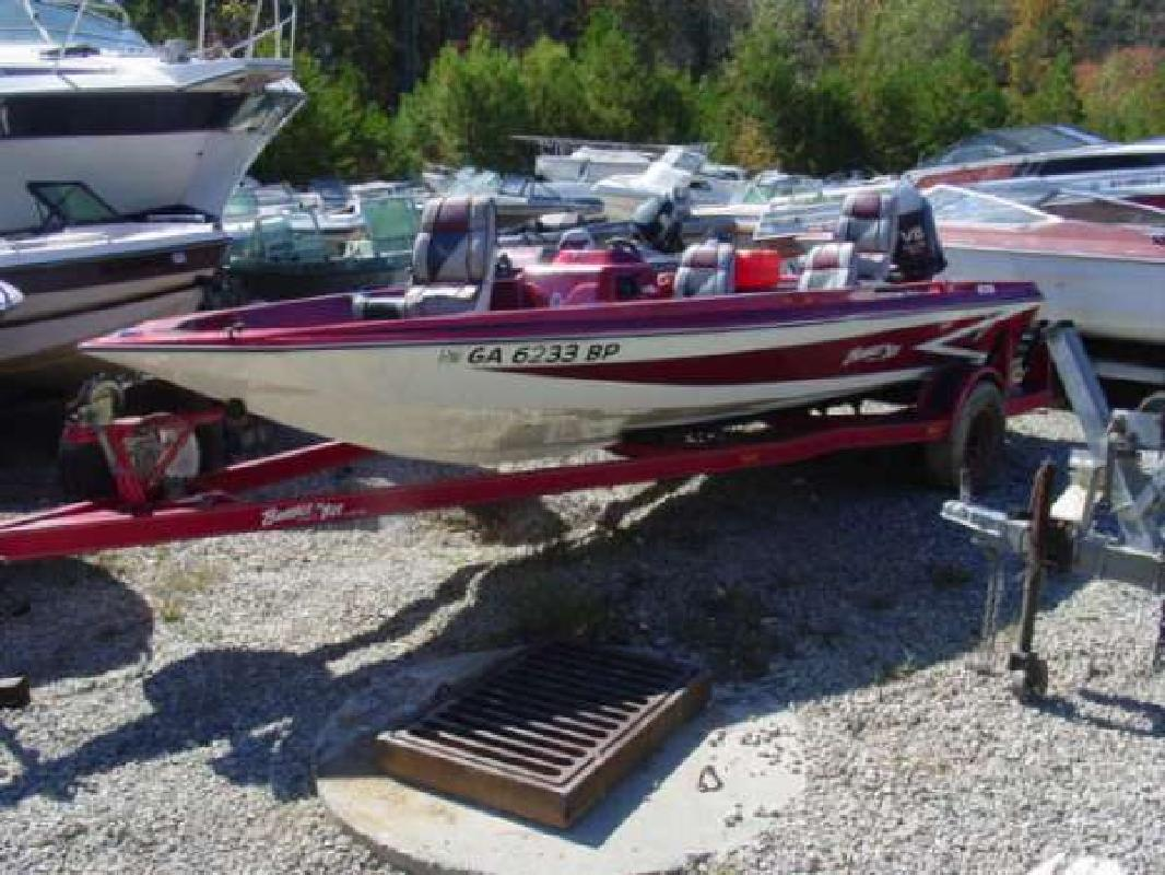 1989 18' Bumble Bee V 178 Flippin Deck Johnson 150 for sale