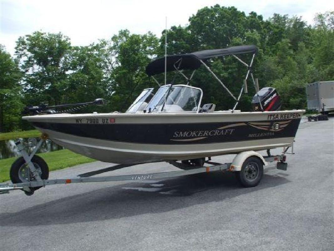 2001 17' SMOKER CRAFT 17 Millentia DC