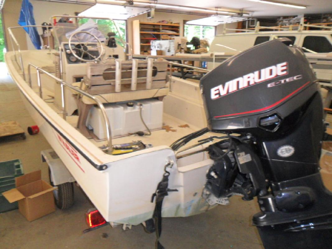 1986 Boston Whaler Boats 17 Montauk In Kittery Me For Sale In Kittery Maine All Boat Listings Com