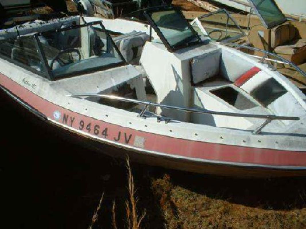 $1,700 Used 1987 Thompson Boats Cutlass 185 Bowrider Mercruiser 165 (470)