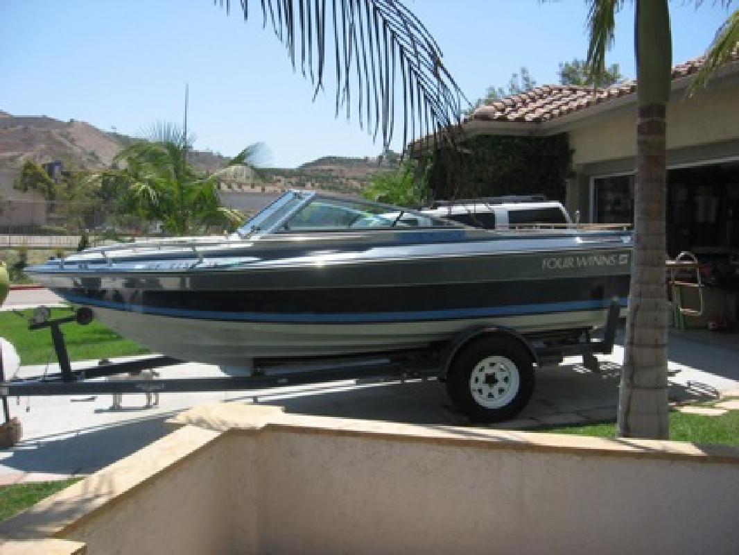$3,500 1988 Four Winns 18ft. Ski Boat