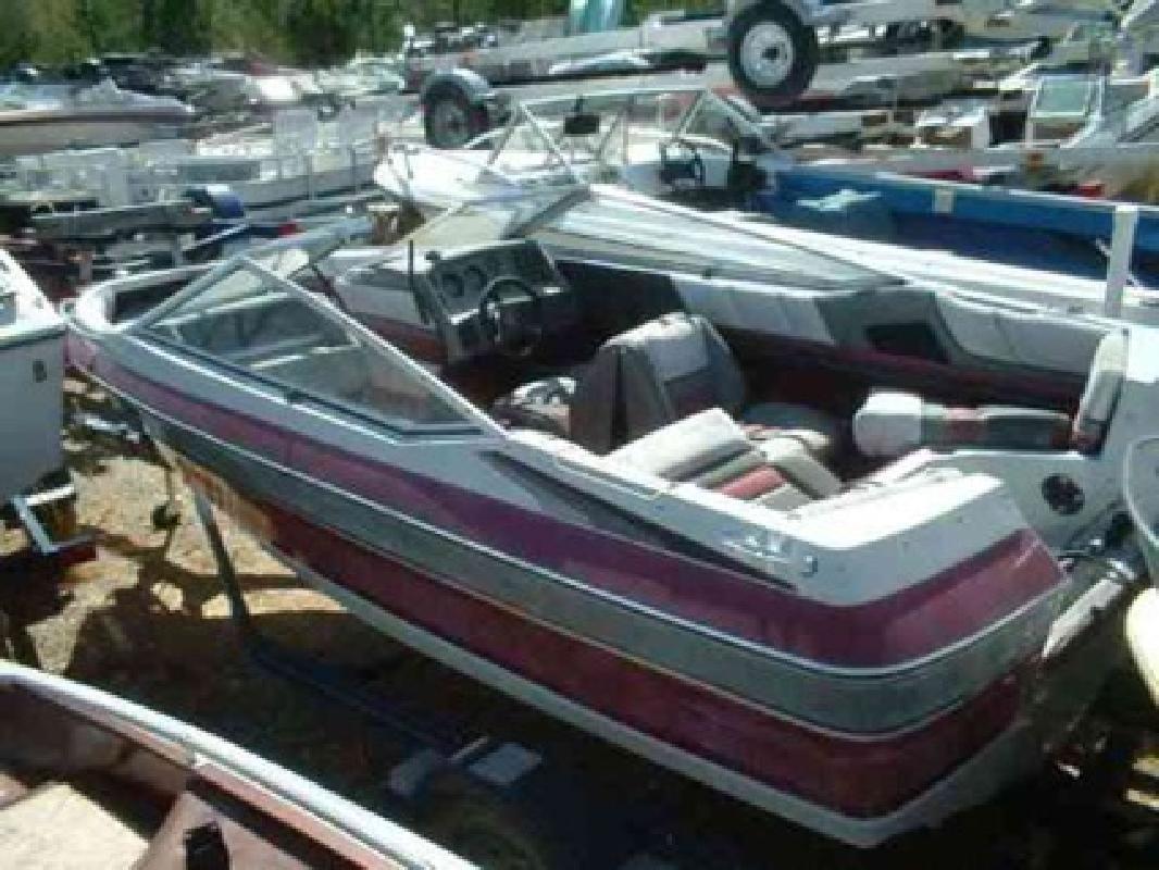 $600 Used 1989 Maxum-U.S. Marine 1900 XR Bowrider Outboard
