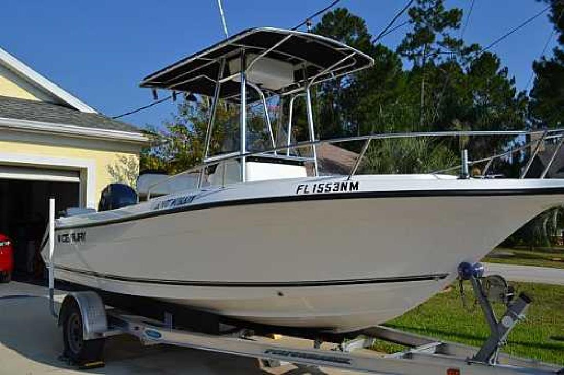 2007 20' Century Boats 2001 CENTER CONSOLE in Palm Coast, Florida