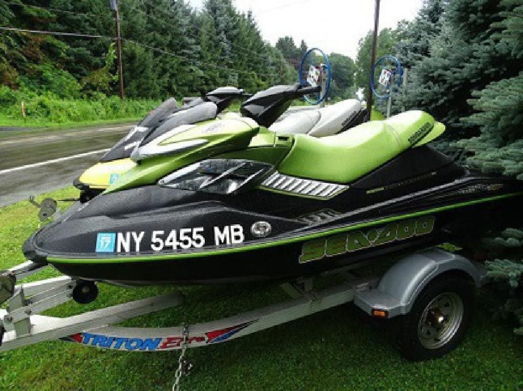 $3,021 Perfect 2005 Seadoo RPX & 2004 Seadoo GTX