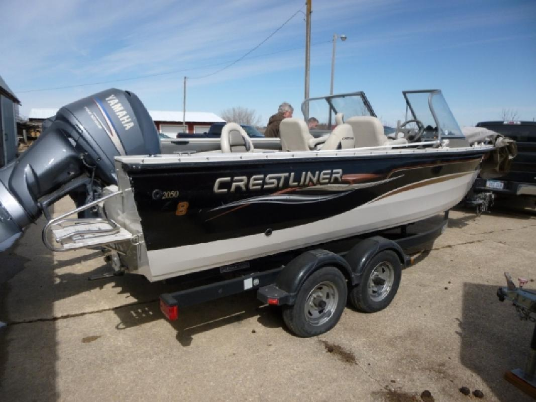 2004 crestliner boats 2050 sportfish in algona ia for for Fishing boats for sale in iowa