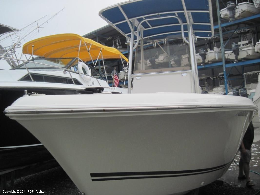 2006 21' Clearwater 2100 Center Console