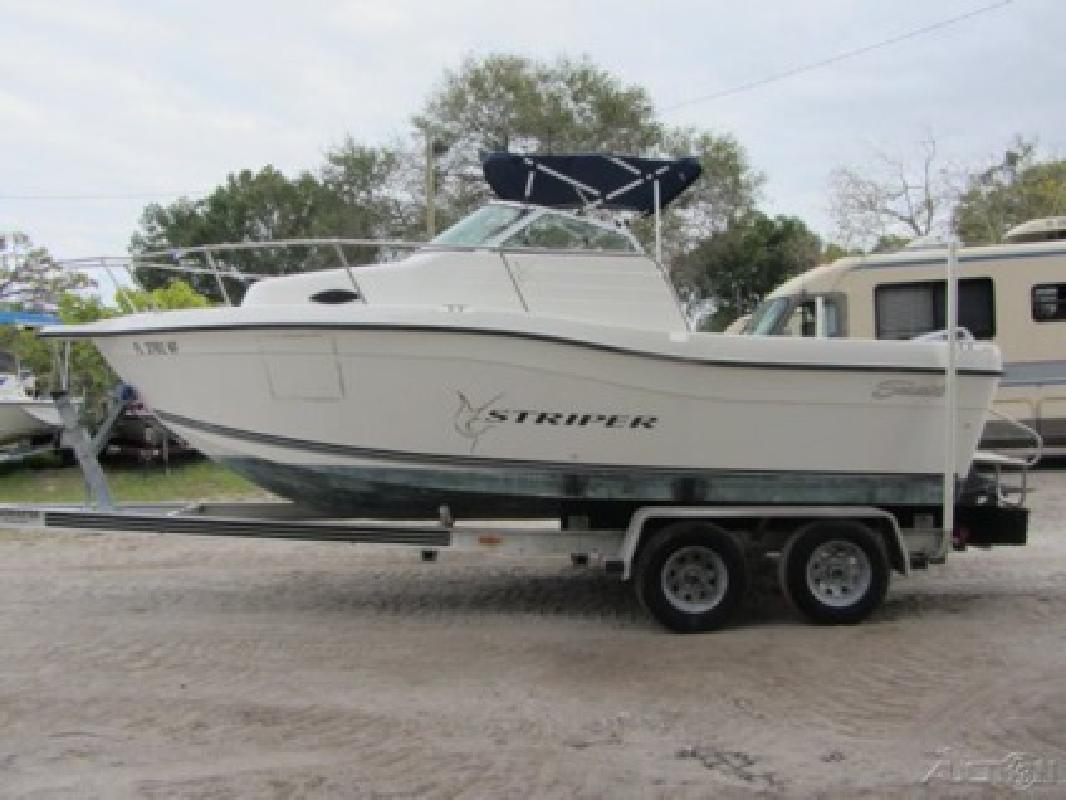 $5,400 1998 Seaswirl Striper 2100 WA