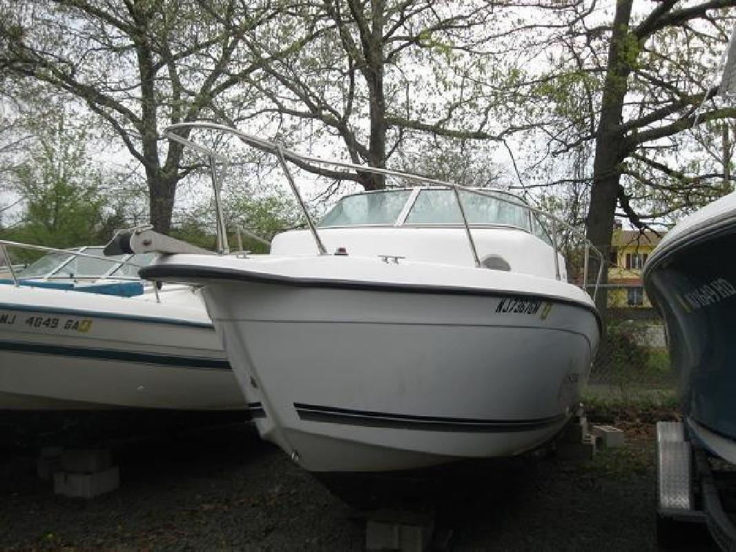 2000 Seaswirl Striper 2100WA Bayville NJ