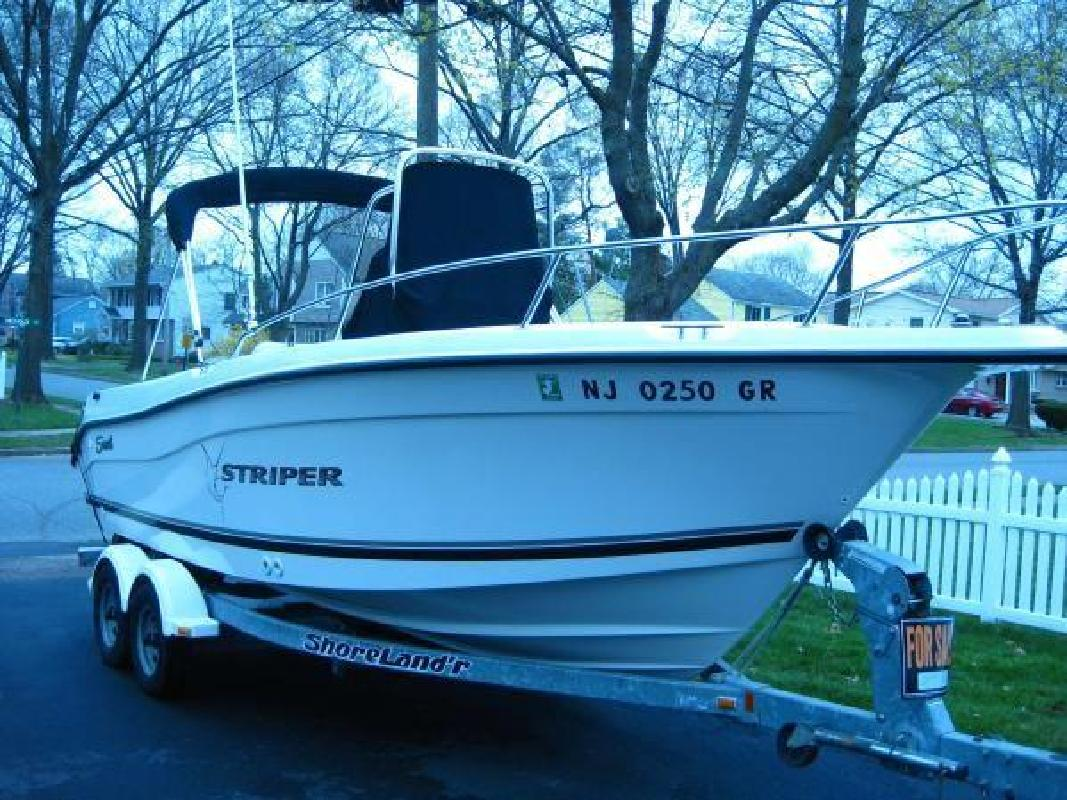 2002 21' Sea Swirl Boats 2101 Striper Center Console