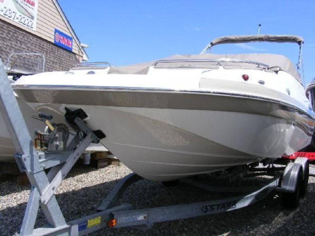2012 21' Nautic Star 210 DC Sport Deck