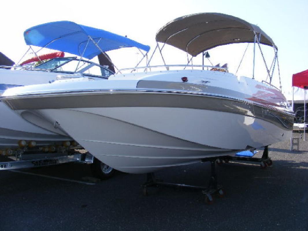 2011 21' Nautic Star 210SC Sport Deck