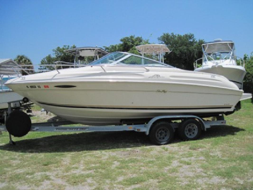 $15,500 2000 Sea Ray 215 Express Cruiser