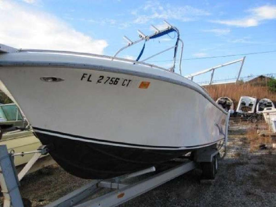 1976 21' Mako Marine International 21 Center Console OB Bracket in ...