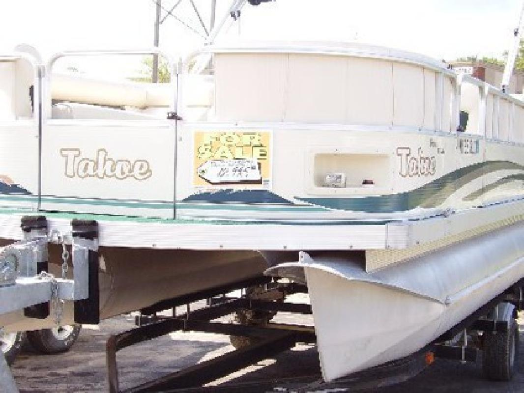 $12,995 2002 Taho Grand 21' Pontoon