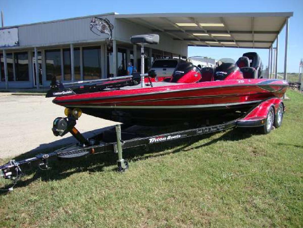 2009 21' Triton Boats 21X3 Pro DC