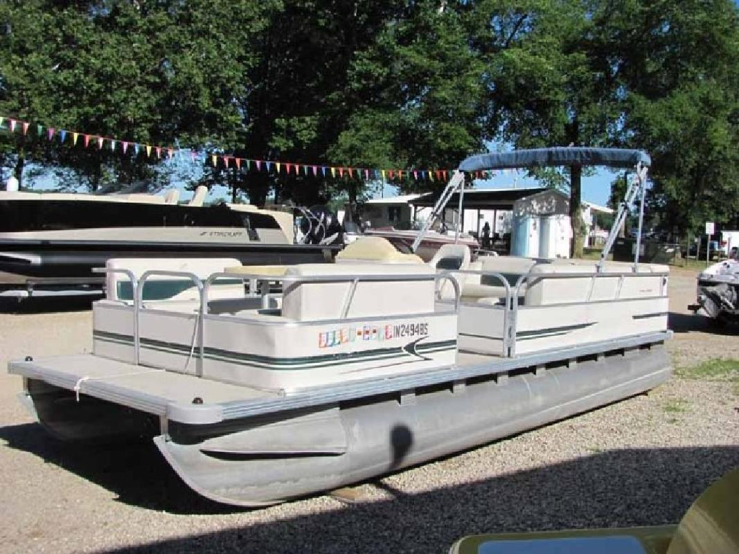 2000 - Starcraft Boats - 220 Cruise in Leesburg, IN