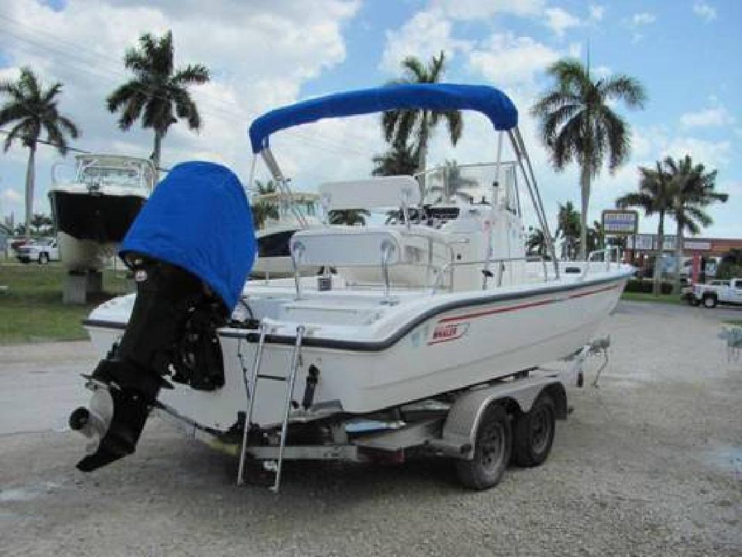 2001 Boston Whaler 220 Dauntless in Fort Myers, Florida