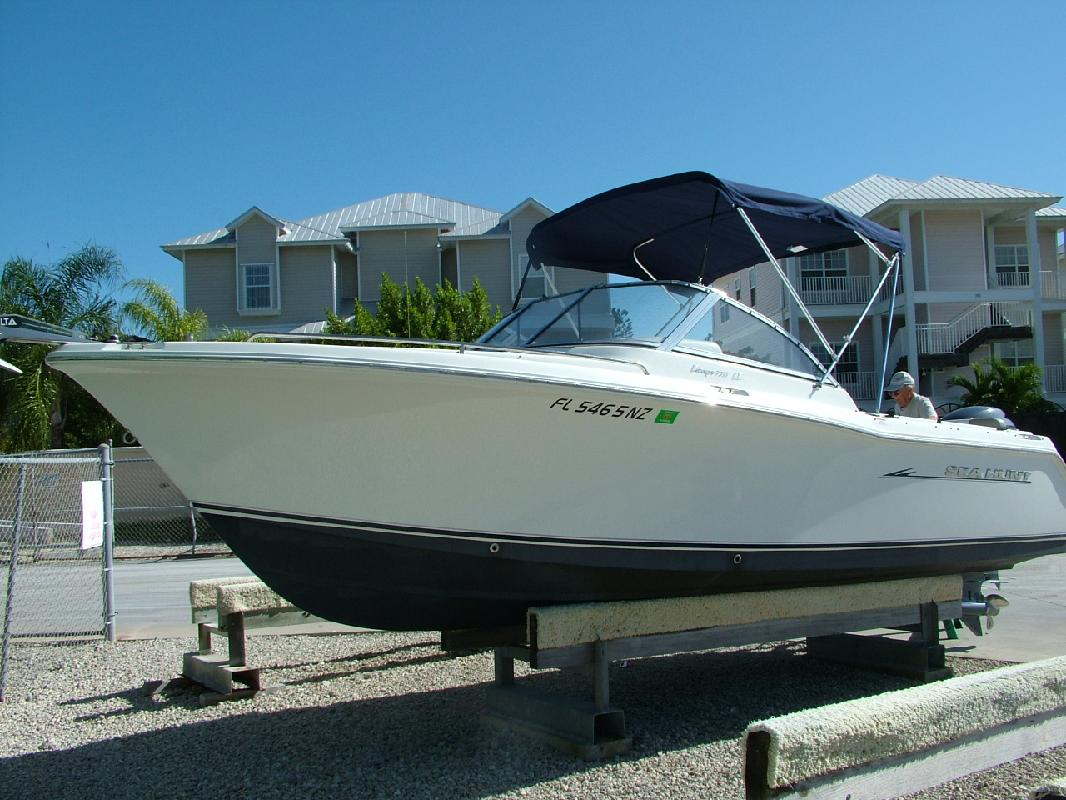 2010 22' Sea Hunt 220 LE Escape DC in Naples, Florida
