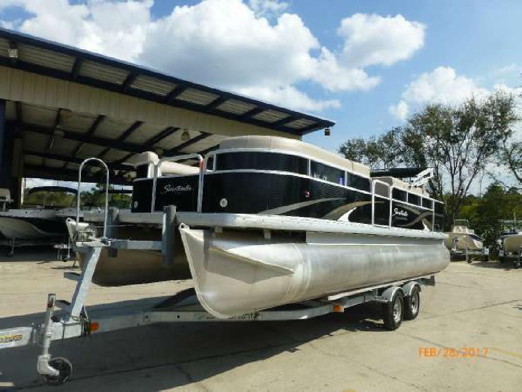 2012 SWEETWATER SW 220 Longwood FL