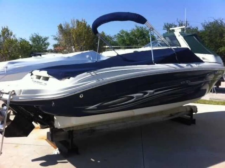 $25,500 2005 Sea Ray 220 SELECT