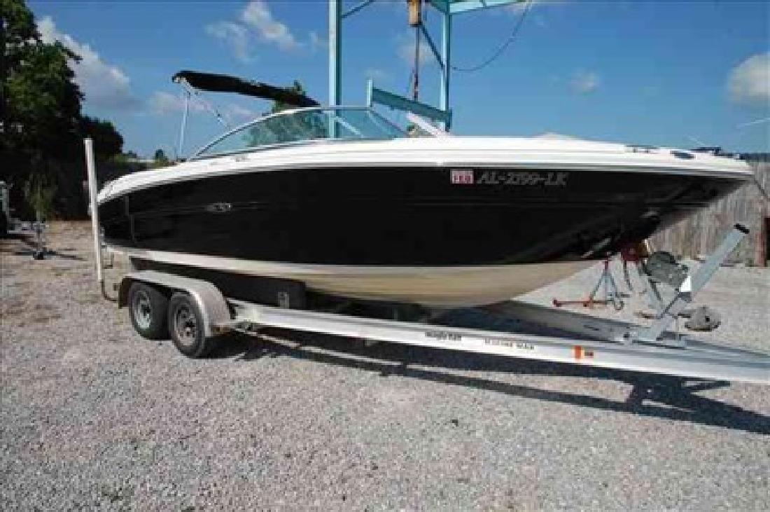 $38,844 2006 Sea Ray 220 SELECT