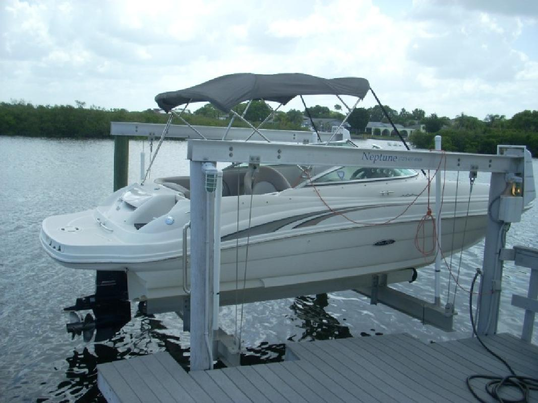 2004 - Sea Ray Boats - 220 Sundeck in Tampa, FL