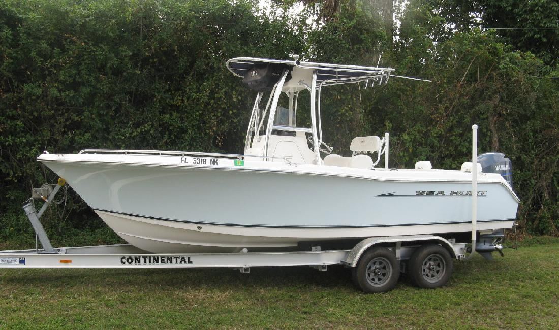 2007 22' Sea Hunt 220 Triton Center Console in Fort Myers, Florida