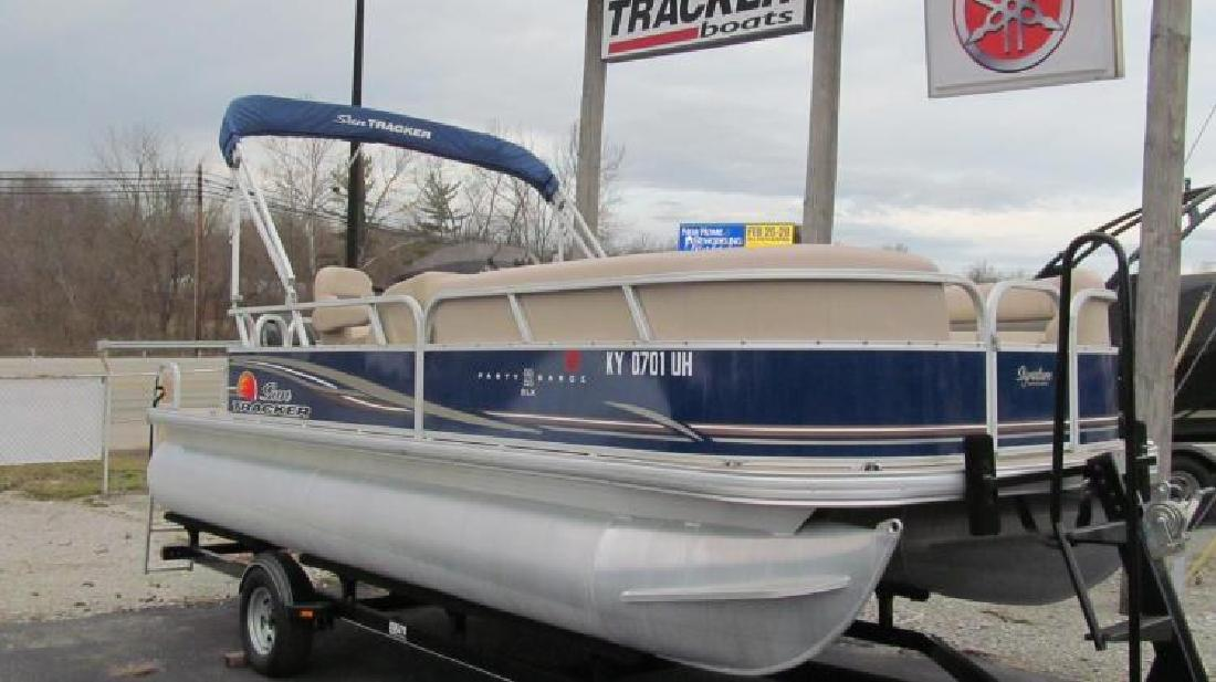 2014 Sun Tracker Party Barge 22 DLX Nicholasville KY