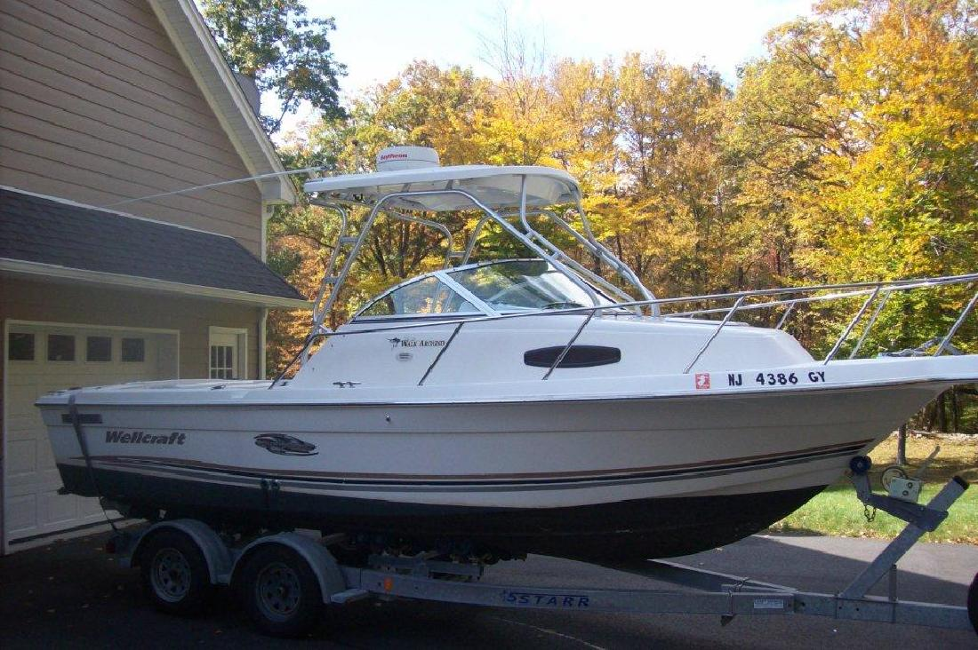 2000 22' Wellcraft 22 WALKAROUND in Lake Hopatcong, New Jersey