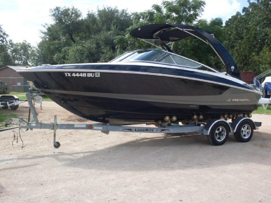 2017 - Regal Boats - 2300 in Austin, TX
