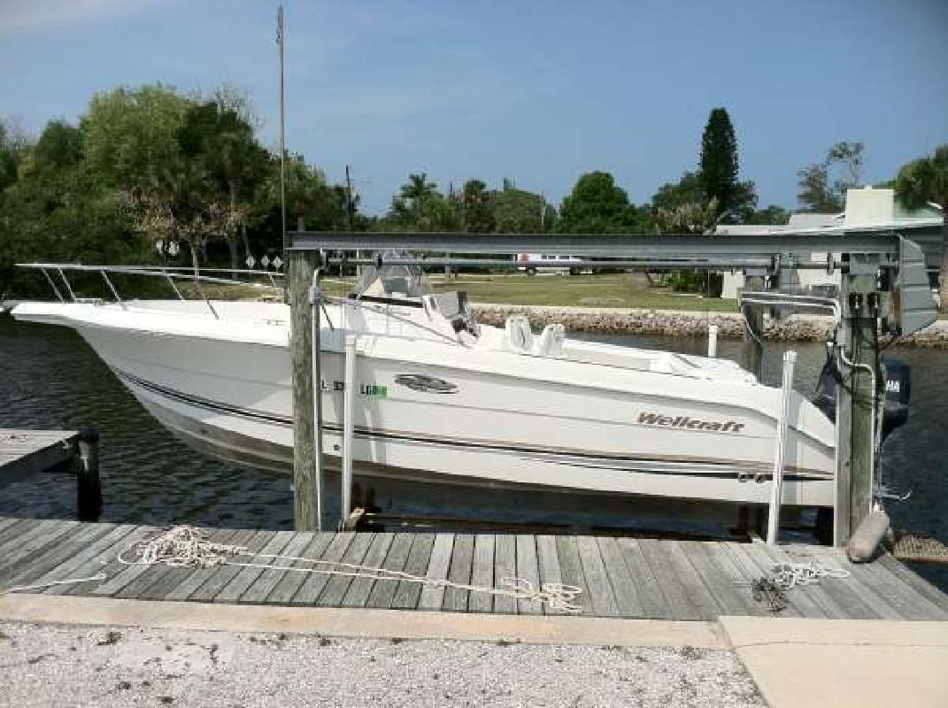 2000 23' Wellcraft 230 Fisherman in Nokomis, Florida