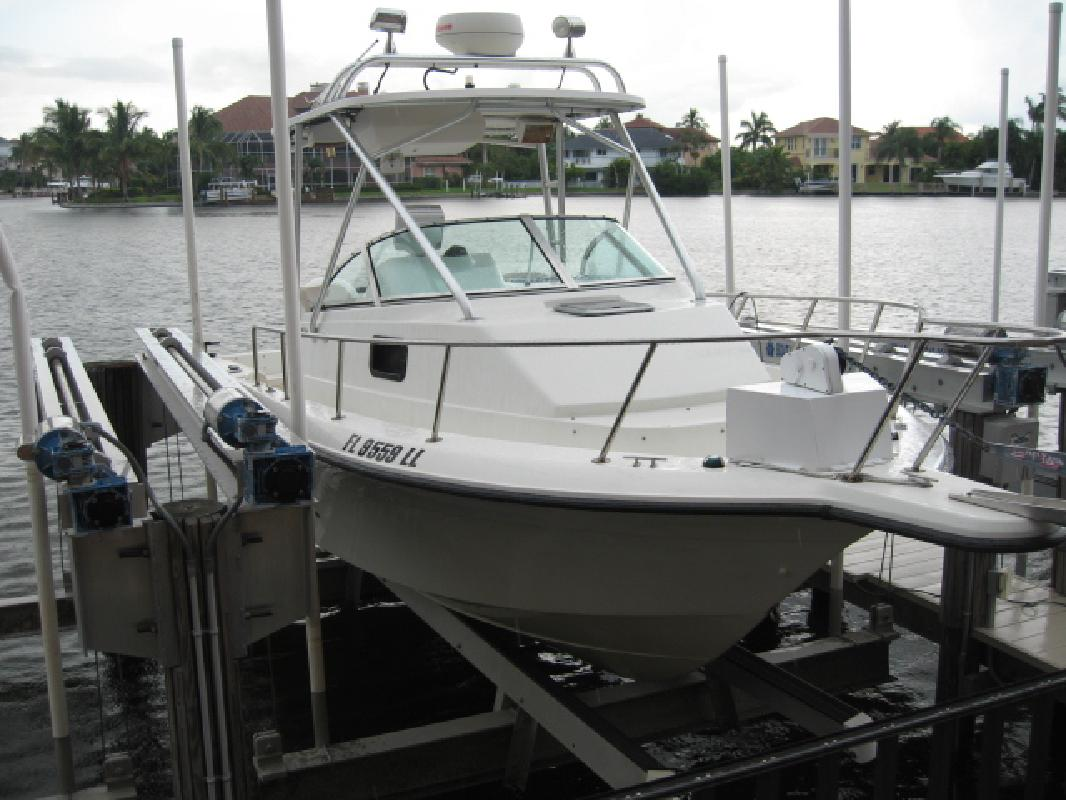 2001 23' Hydra-Sports 230 Seahorse in Naples, Florida