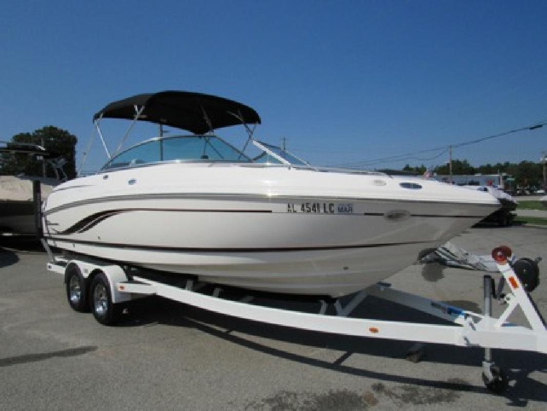 $24,995 Awesome 2002 Chaparral 230SSI Bowrider