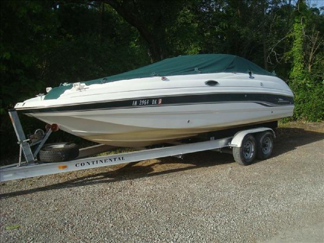 2000 Chaparral Boats Sunesta 233 Syracuse IN