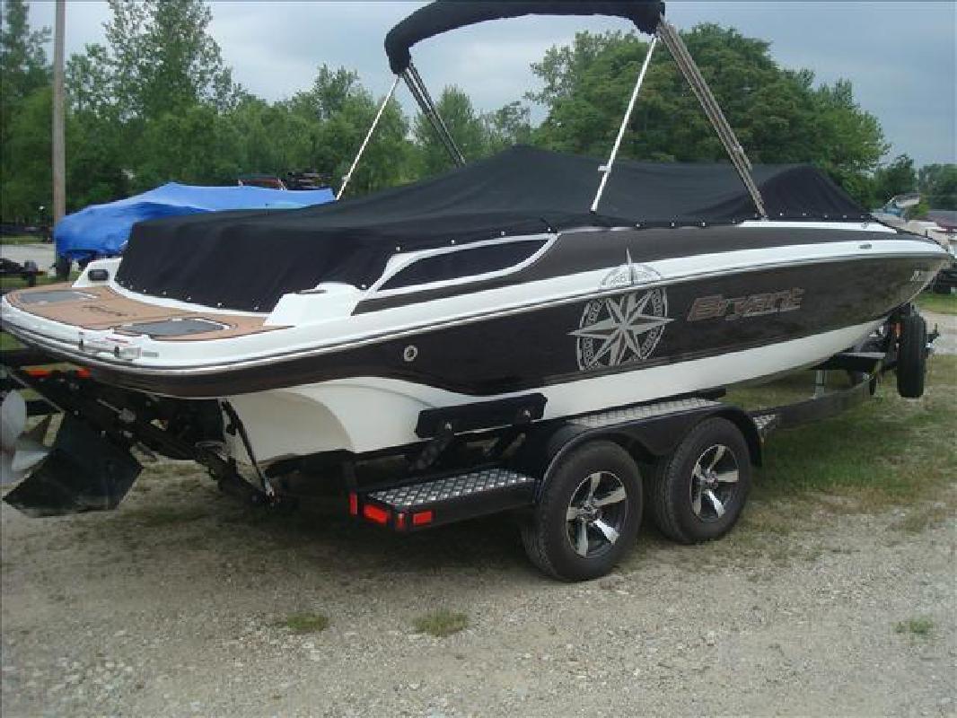 2013 Bryant Boats 233X Syracuse IN