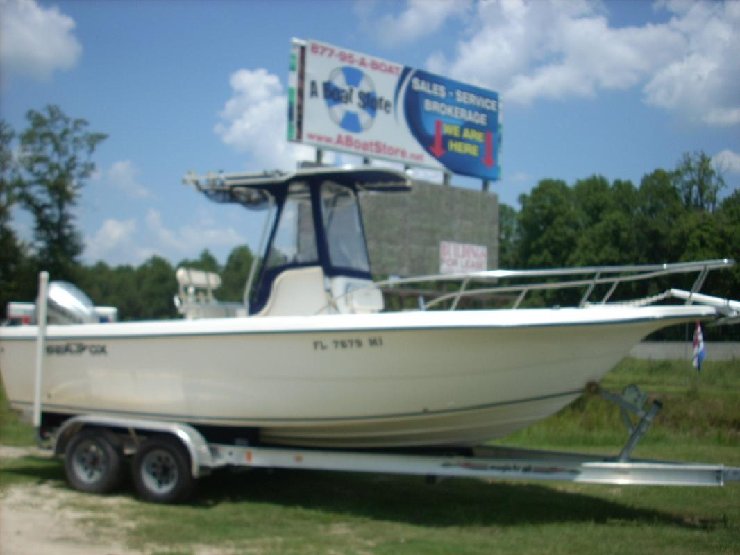 2003 23' Sea Fox 237 Center Console