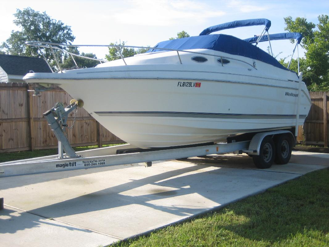 2001 25' Wellcraft 2400 MARTINIQUE in Pensacola, Florida