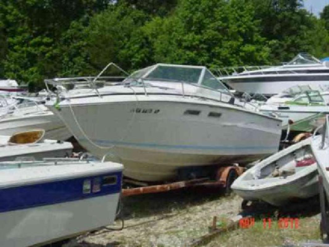 $2,900 Used 1973 Sea Ray SRV 240 Cuddy Cabin Mercruiser 188 for sale