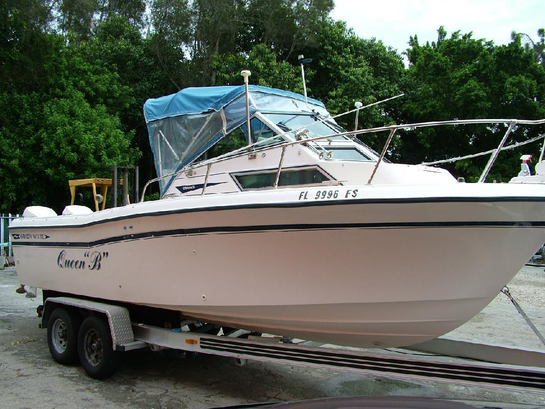 1988 24' Grady-White 240 Offshore in Naples, Florida