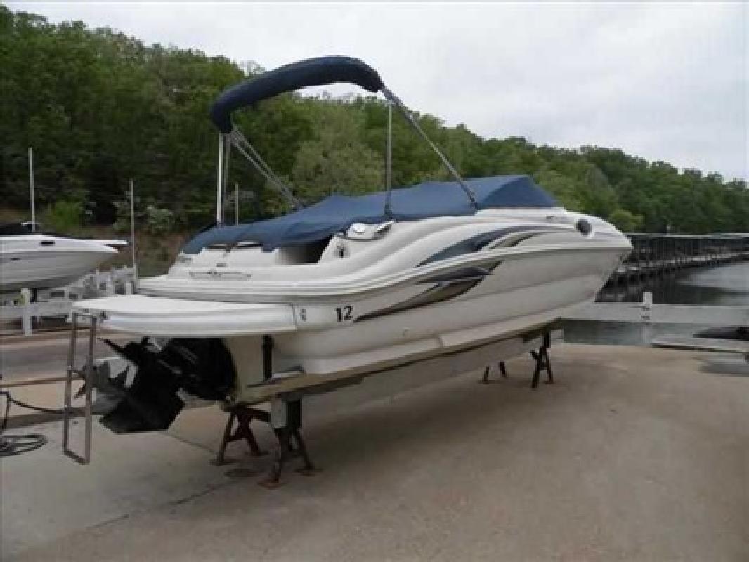 $21,000 2001 Sea Ray 240 SUNDECK