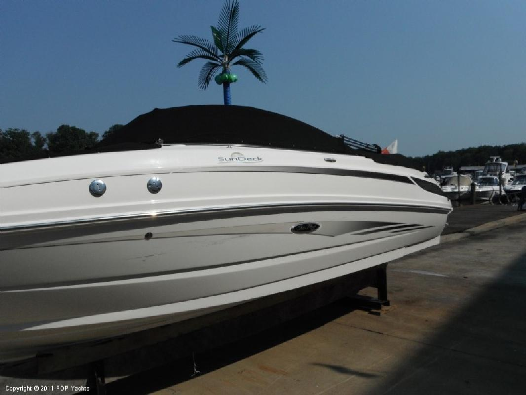 2011 24' Sea Ray 240 Sundeck Bowrider