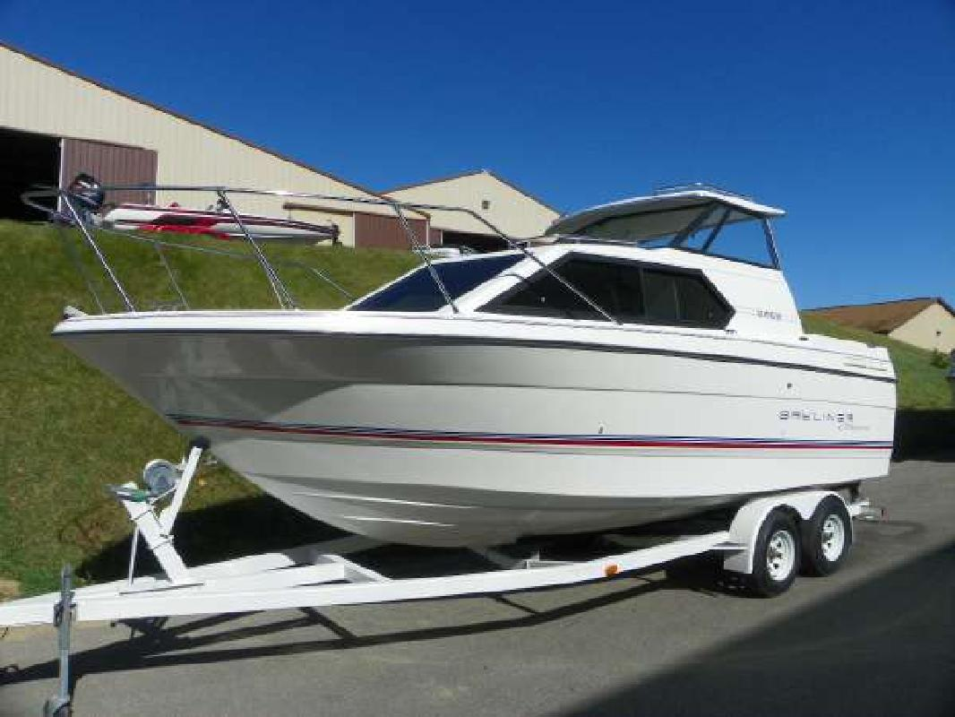 1994 24 39 bayliner 2452 classic express for sale in for Fish express kalamazoo