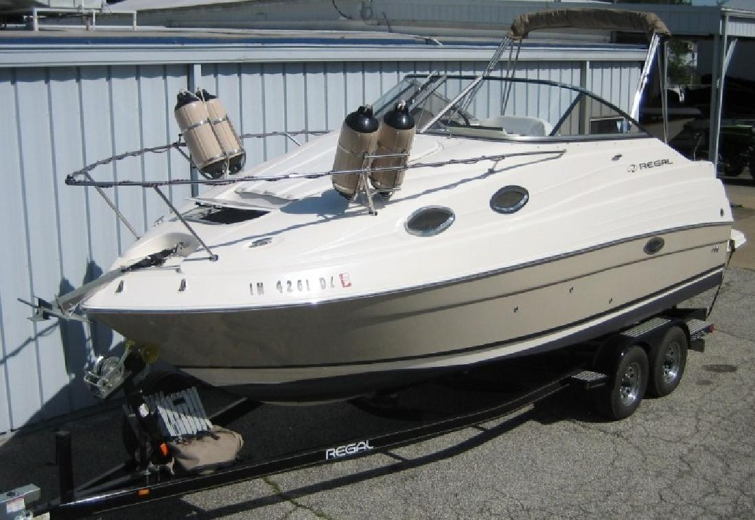 2005 - Regal Boats - 2465 Commodore in Evansville, IN