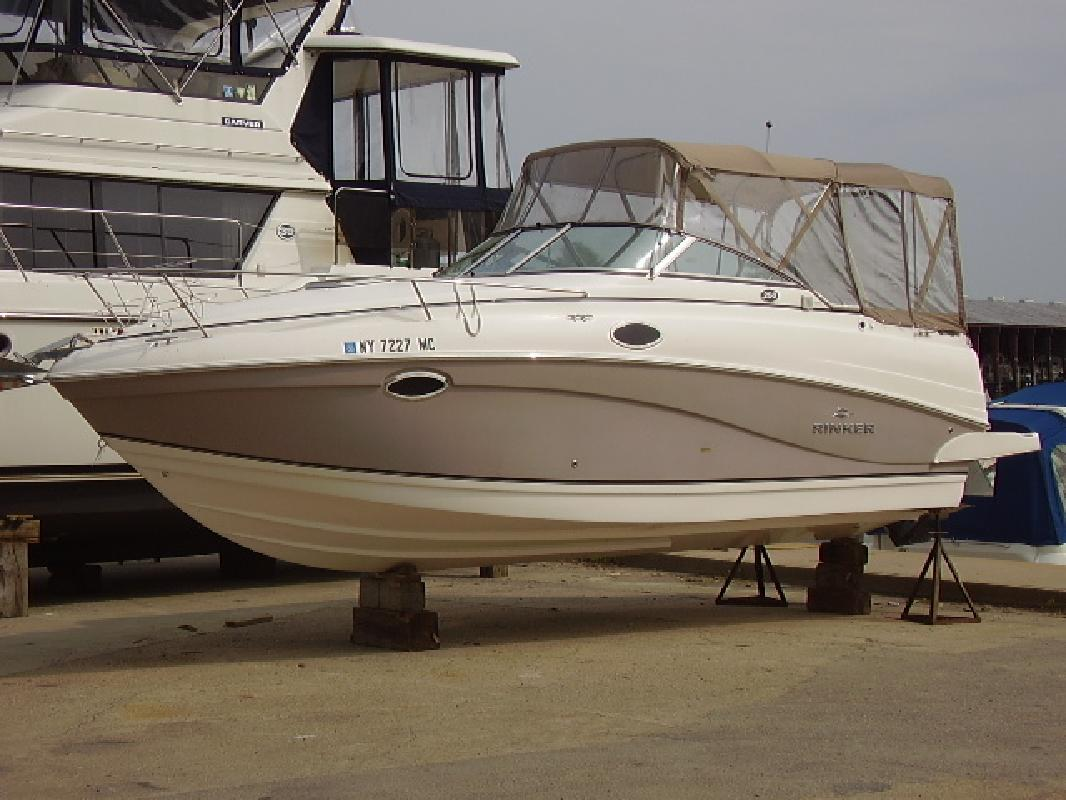 2006 25' Rinker 250 Express in Alexandria Bay, New York